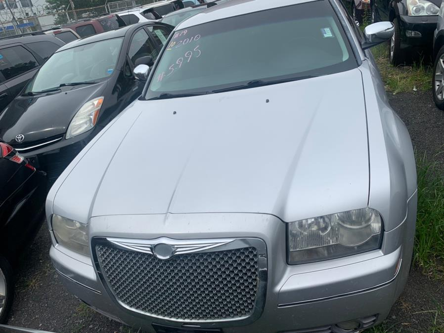 Used Chrysler 300 4dr Sdn Touring Signature RWD 2010 | Atlantic Used Car Sales. Brooklyn, New York