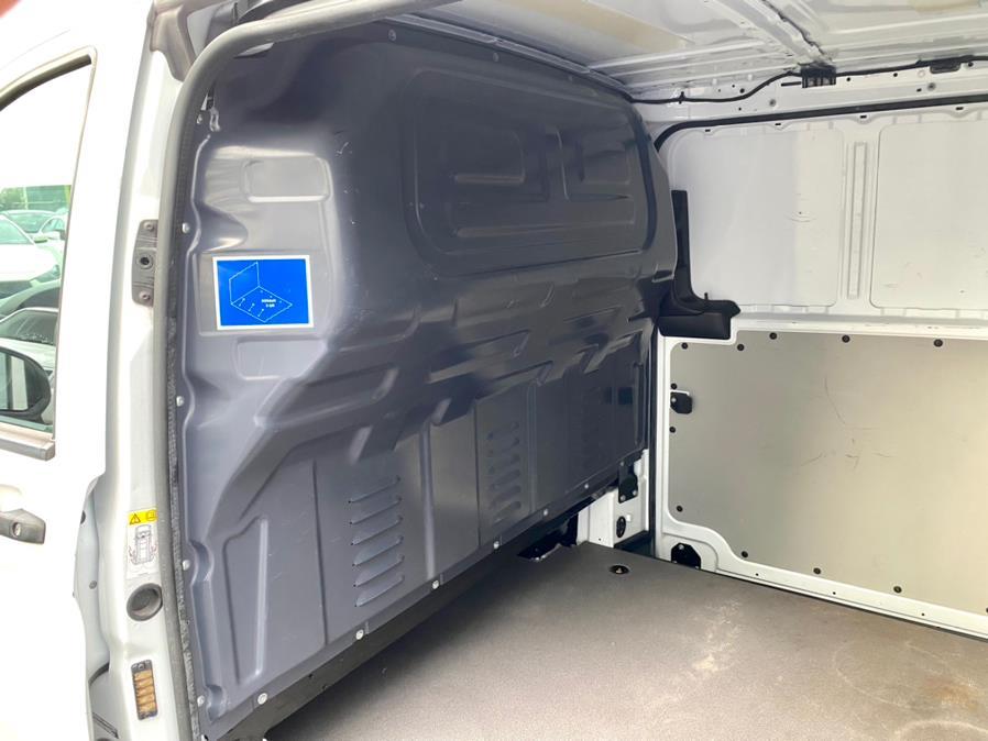 "Used Mercedes-Benz Metris Cargo Van Standard Roof 126"" Wheelbase Worker 2017 | Easy Credit of Jersey. South Hackensack, New Jersey"