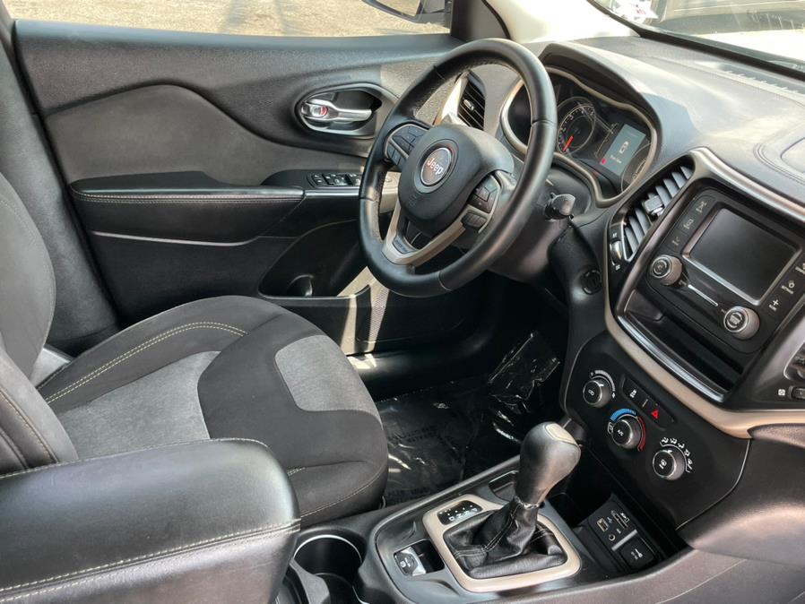 Used Jeep Cherokee Altitude FWD *Ltd Avail* 2017 | Green Light Auto. Corona, California