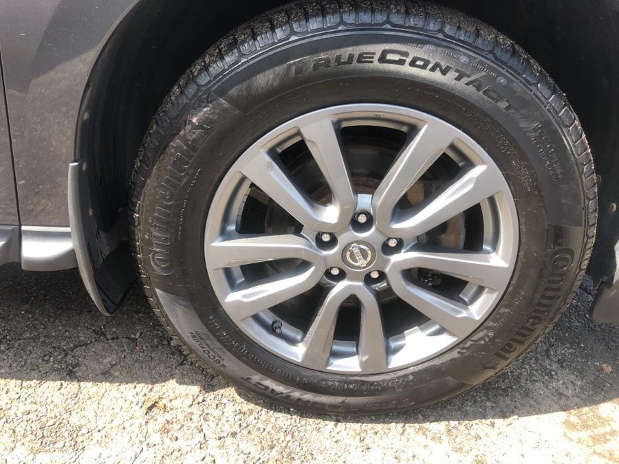 Used Nissan Pathfinder 4WD 4dr SV 2013 | Auto Haus of Irvington Corp. Irvington , New Jersey