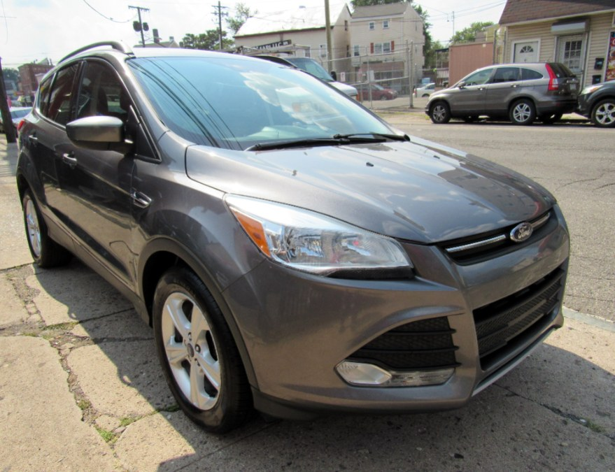Used Ford Escape 4WD 4dr SE 2014   MFG Prestige Auto Group. Paterson, New Jersey