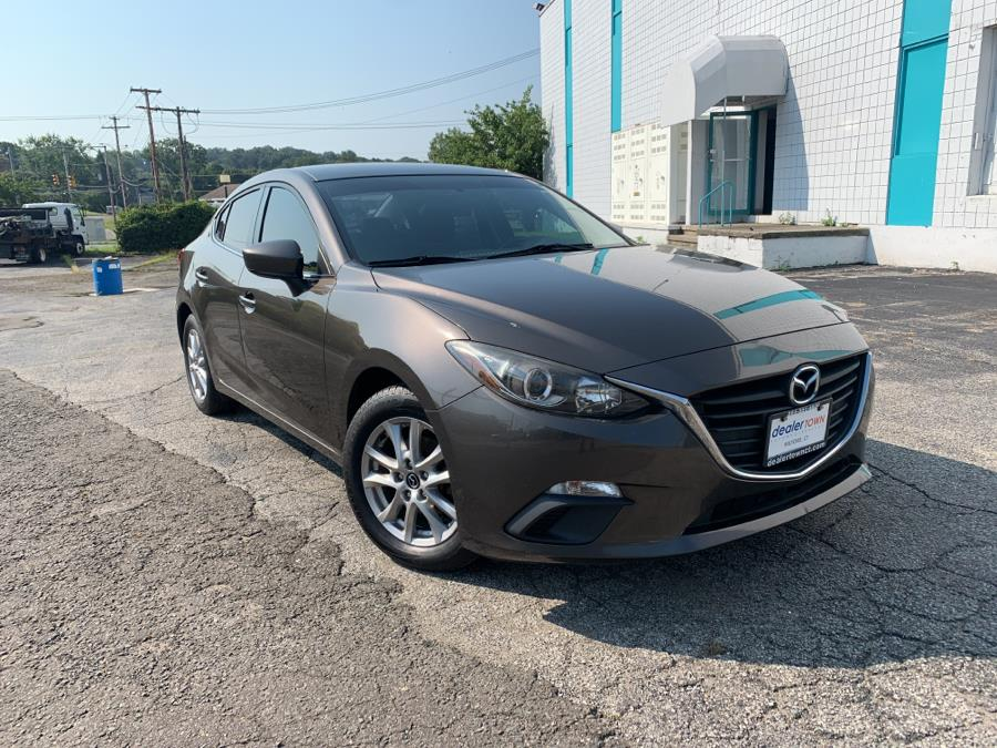 Used Mazda Mazda3 4dr Sdn Auto i Touring 2014 | Dealertown Auto Wholesalers. Milford, Connecticut