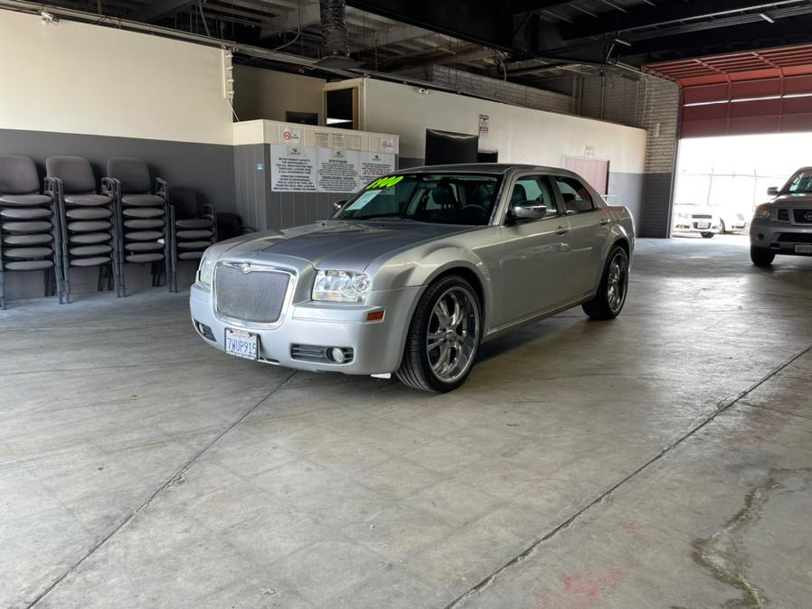 Used Chrysler 300 4dr Sdn 300 RWD 2007   U Save Auto Auction. Garden Grove, California
