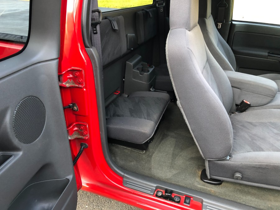 "Used Chevrolet Colorado Ext Cab 125.9"" WB 4WD Z71 2005 | Ledyard Auto Sale LLC. Hartford , Connecticut"