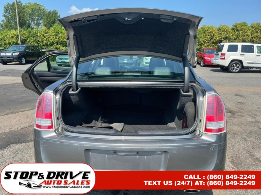 Used Chrysler 300 4dr Sdn V6 300S AWD 2012 | Stop & Drive Auto Sales. East Windsor, Connecticut