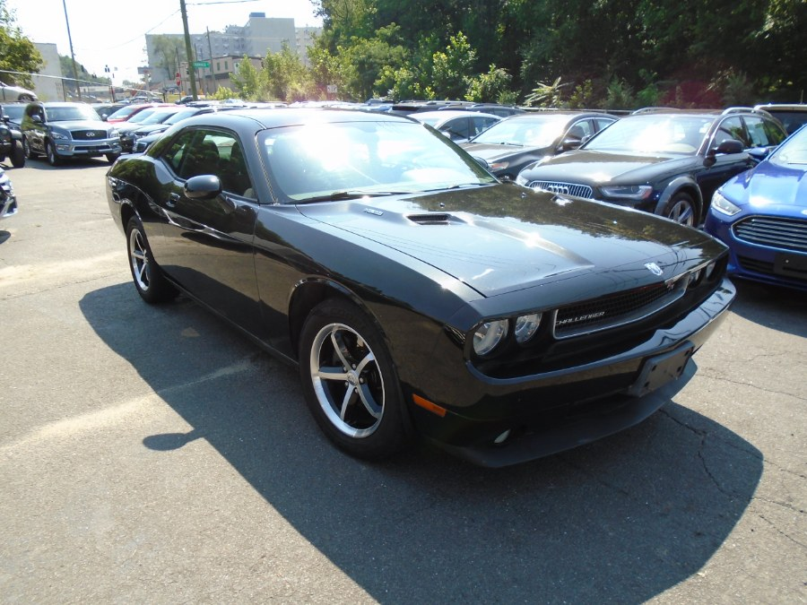 Used 2009 Dodge Challenger in Waterbury, Connecticut | Jim Juliani Motors. Waterbury, Connecticut
