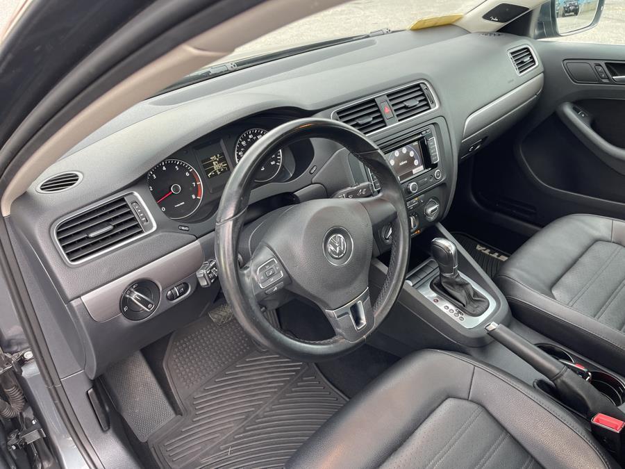 Used Volkswagen Jetta Sedan 4dr Auto SEL PZEV 2014   New Beginning Auto Service Inc . Ashland , Massachusetts
