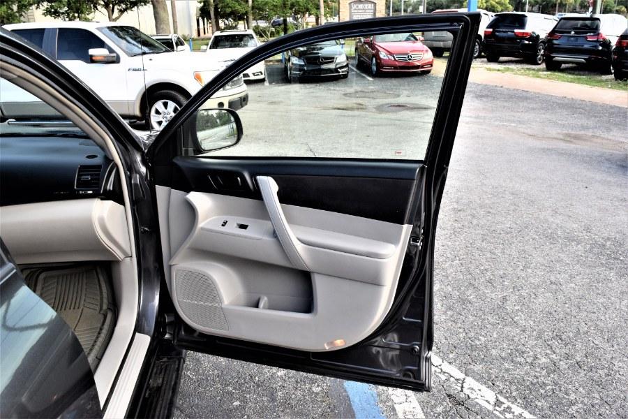Used Toyota Highlander 4WD 4dr Base 2008 | Rahib Motors. Winter Park, Florida