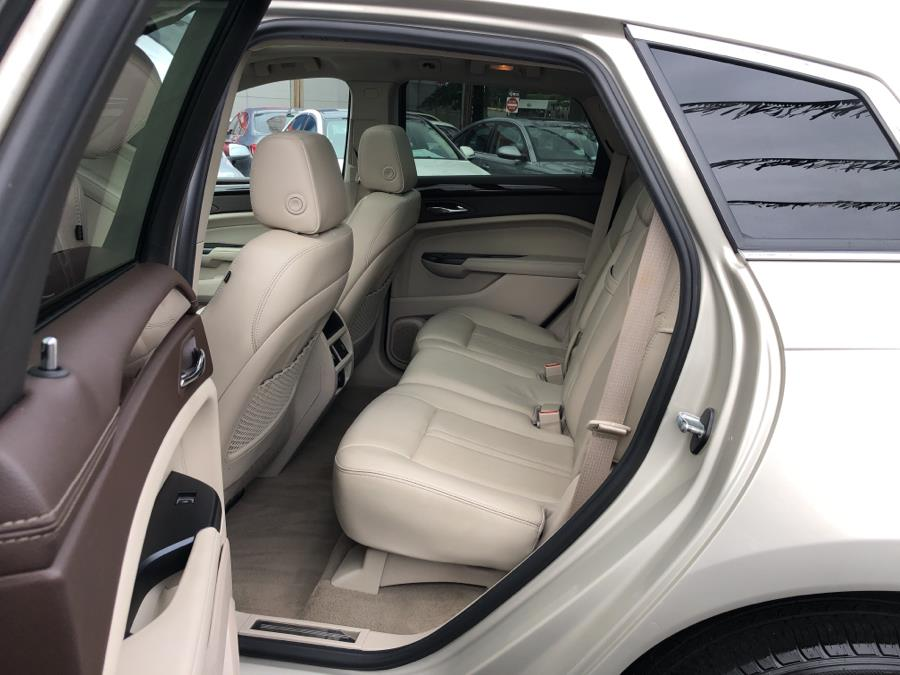 Used Cadillac SRX AWD 4dr Luxury Collection 2014 | Champion Auto Sales Of The Bronx. Bronx, New York