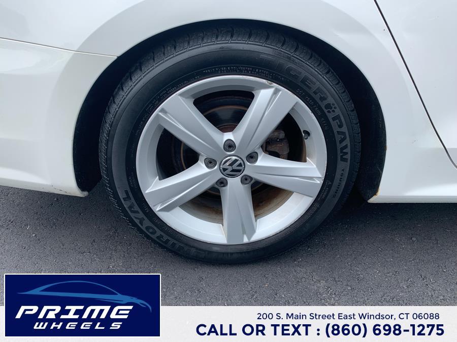 Used Volkswagen Passat 4dr Sdn 2.5L Auto SE w/Sunroof & Nav PZEV 2012   Prime Wheels. East Windsor, Connecticut