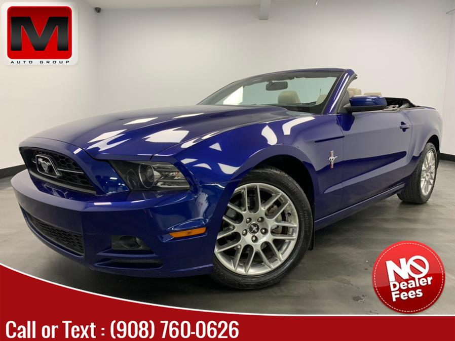 Used Ford Mustang 2dr Conv V6 Premium 2013 | M Auto Group. Elizabeth, New Jersey
