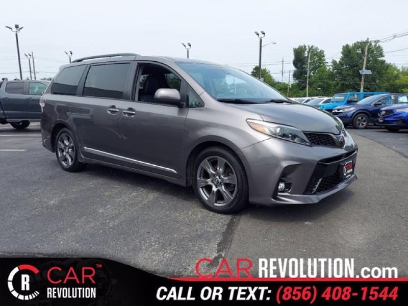 Used Toyota Sienna SE FWD 8-Passenger (Natl) 2018 | Car Revolution. Maple Shade, New Jersey