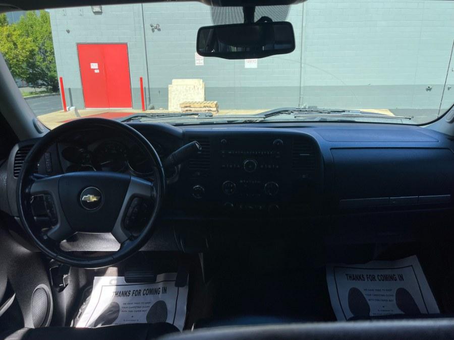 "Used Chevrolet Silverado 2500HD 4WD Ext Cab 158.2"" LT 2012 | A-Tech. Medford, Massachusetts"