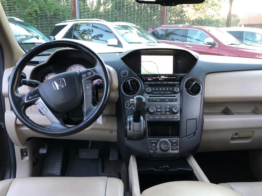 Used Honda Pilot 4WD 4dr Touring w/RES & Navi 2013 | Champion Auto Sales Of The Bronx. Bronx, New York