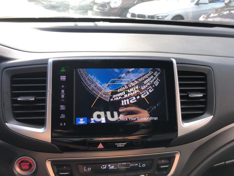 Used Honda Pilot AWD 4dr EX-L 2016 | Champion Auto Sales Of The Bronx. Bronx, New York