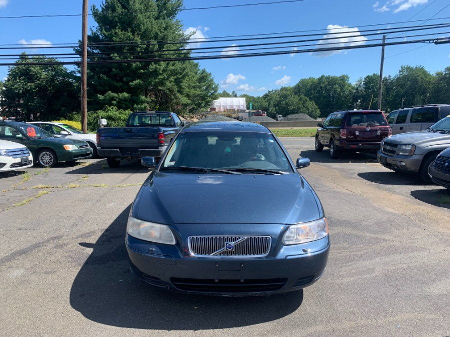Used 2006 Volvo V70 in East Windsor, Connecticut | CT Car Co LLC. East Windsor, Connecticut