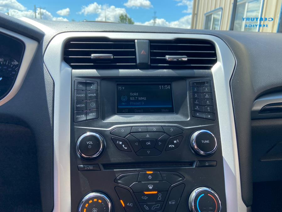 Used Ford Fusion 4dr Sdn SE FWD 2016   Century Auto And Truck. East Windsor, Connecticut