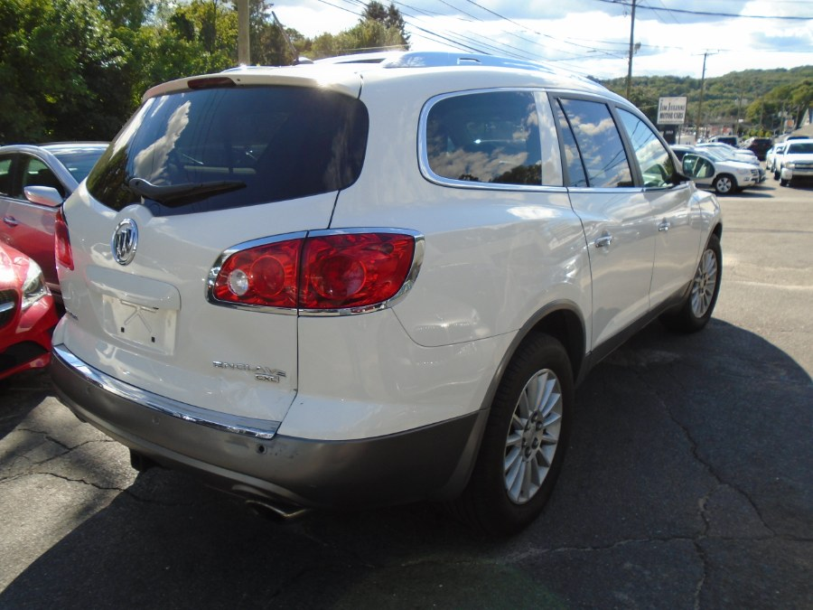 Used Buick Enclave AWD 4dr CXL w/1XL 2010   Jim Juliani Motors. Waterbury, Connecticut