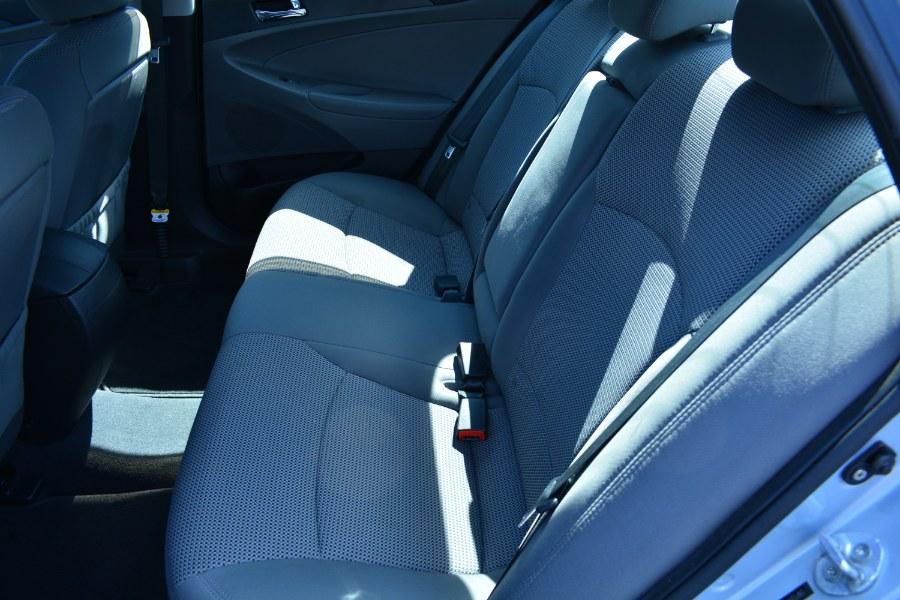Used Hyundai Sonata 4dr Sdn 2.4L Auto GLS 2012 | Longmeadow Motor Cars. ENFIELD, Connecticut