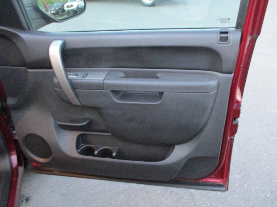 "Used Chevrolet Silverado 1500 4WD Ext Cab 143.5"" LT 2013   Suffield Auto Sales. Suffield, Connecticut"