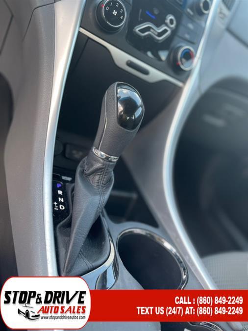Used Hyundai Sonata 4dr Sdn 2.4L Auto SE 2012   Stop & Drive Auto Sales. East Windsor, Connecticut