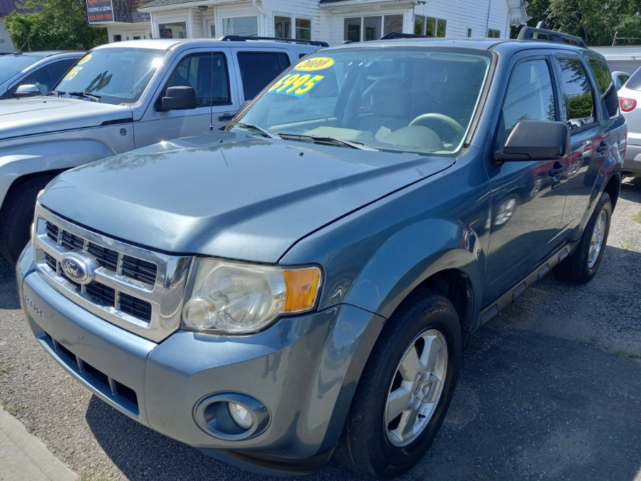 Used 2010 Ford Escape in Patchogue, New York | Romaxx Truxx. Patchogue, New York