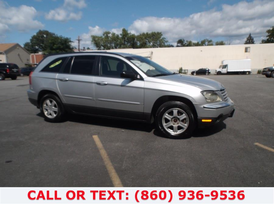 Used Chrysler Pacifica 4dr Wgn Touring FWD 2005 | Lee Motors Sales Inc. Hartford, Connecticut