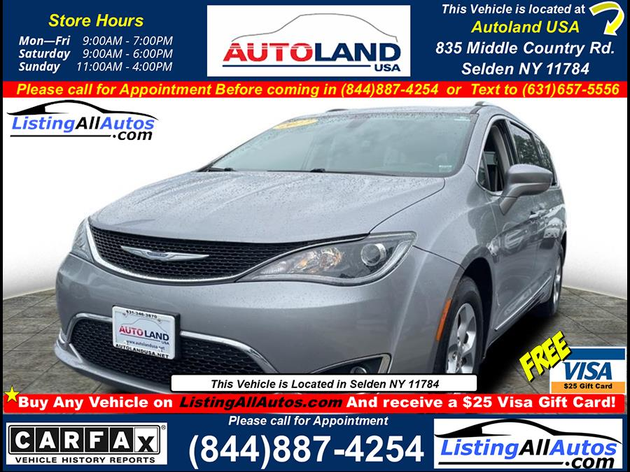 Used 2017 Chrysler Pacifica in Patchogue, New York | www.ListingAllAutos.com. Patchogue, New York