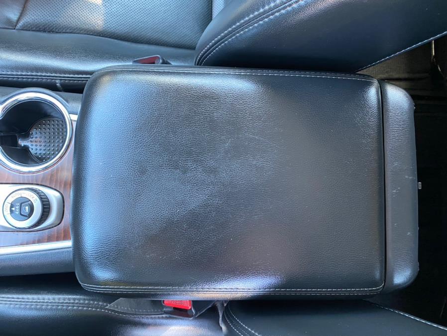 Used Nissan Pathfinder 4x4 SV 2017 | Rite Cars, Inc. Lindenhurst, New York