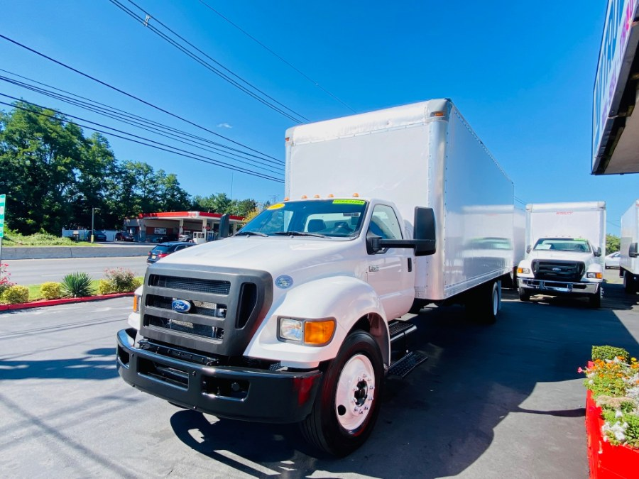 Used Ford Super Duty F-750 Straight Frame 26 FEET DRY BOX + CUMMINS ENGINE + RAMP + NO CDL 2015   NJ Truck Spot. South Amboy, New Jersey