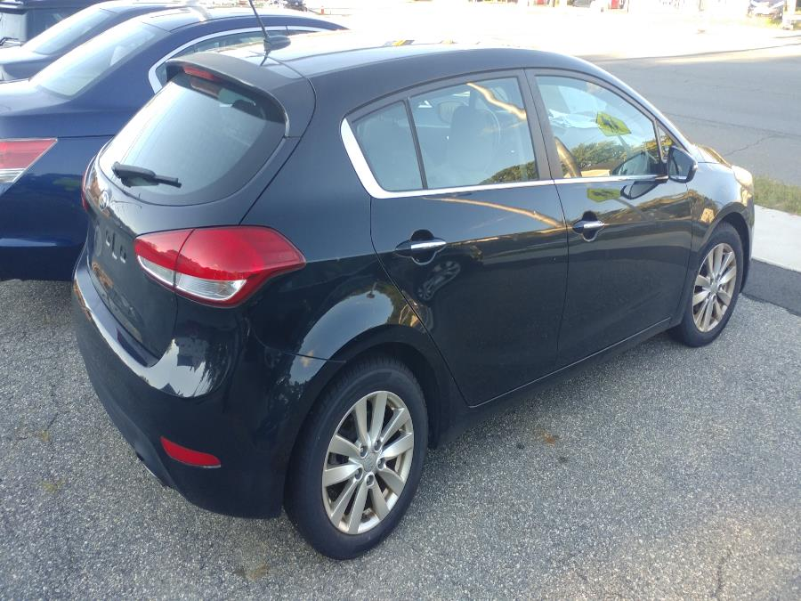 Used Kia Forte 5-Door 5dr HB Auto EX 2014 | Matts Auto Mall LLC. Chicopee, Massachusetts