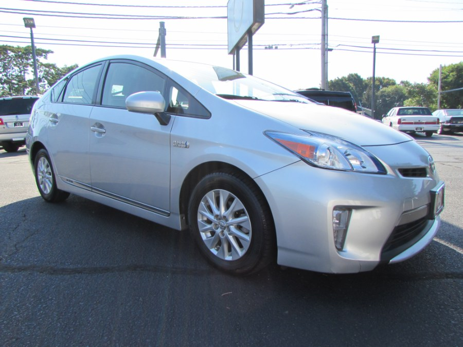 Used Toyota Prius Plug-In 5dr HB Advanced (Natl) 2014   Chip's Auto Sales Inc. Milford, Connecticut
