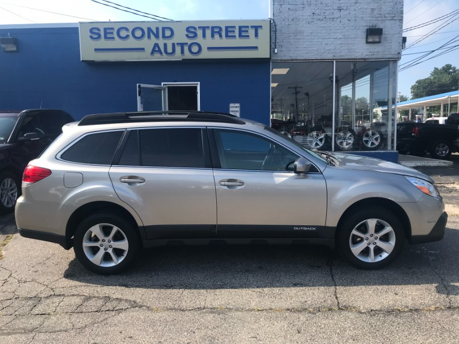 Used 2014 Subaru Outback in Manchester, New Hampshire | Second Street Auto Sales Inc. Manchester, New Hampshire