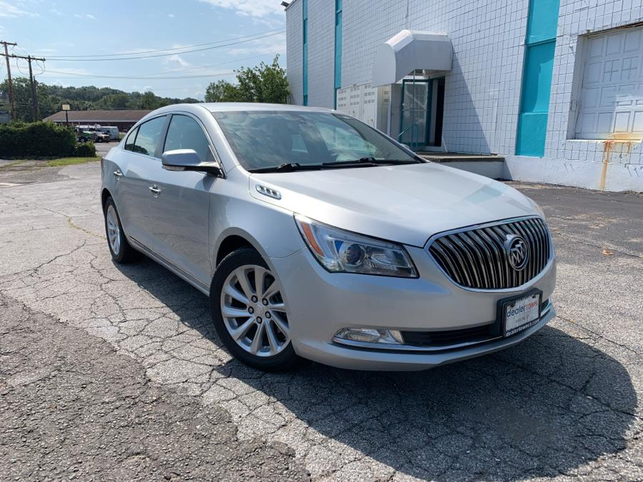 Used Buick LaCrosse 4dr Sdn Leather FWD 2015   Dealertown Auto Wholesalers. Milford, Connecticut