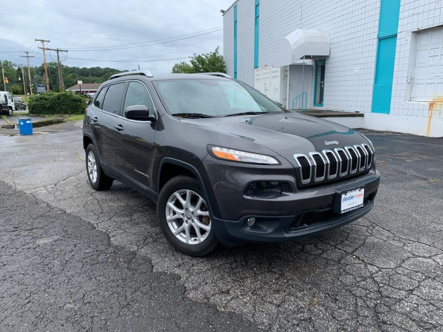 Used Jeep Cherokee 4WD 4dr Latitude 2016 | Dealertown Auto Wholesalers. Milford, Connecticut