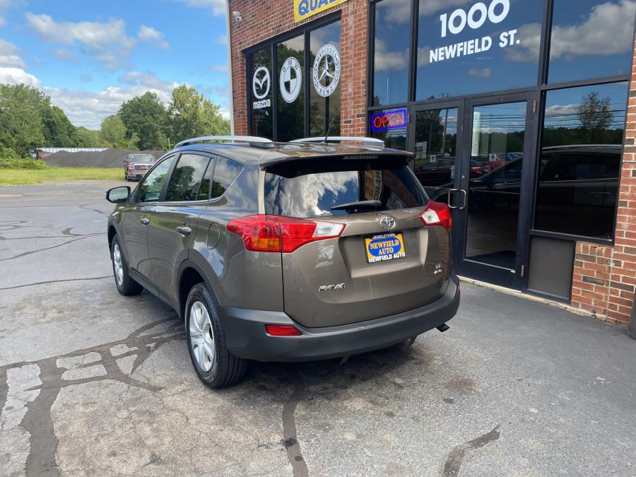 Used Toyota RAV4 AWD 4dr LE (Natl) 2015 | Newfield Auto Sales. Middletown, Connecticut