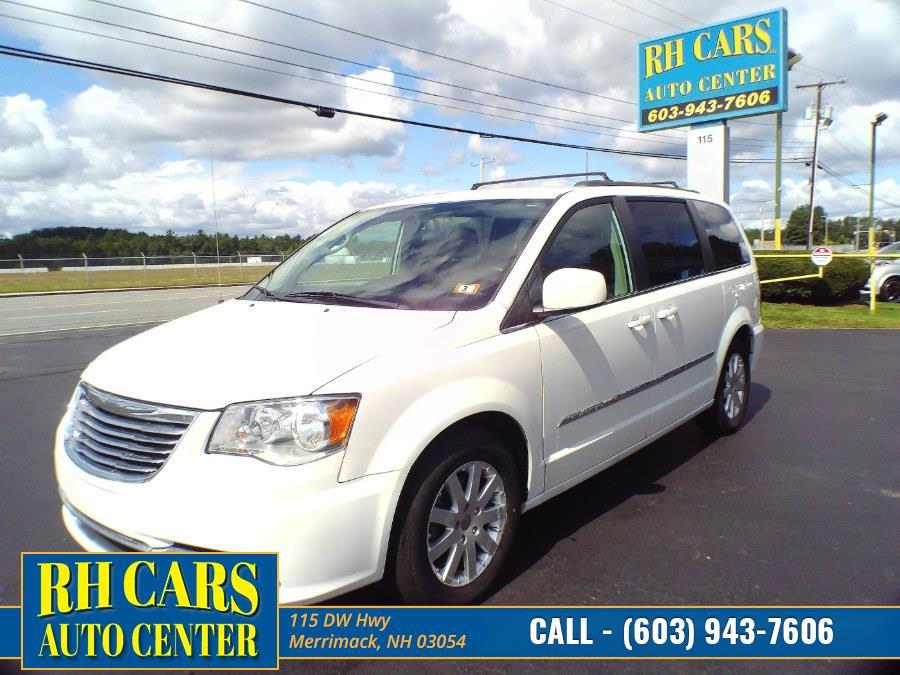 Used 2016 Chrysler Town & Country in Merrimack, New Hampshire | RH Cars LLC. Merrimack, New Hampshire