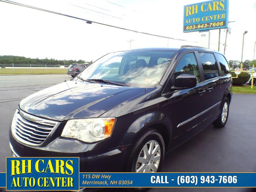 Used 2014 Chrysler Town & Country in Merrimack, New Hampshire | RH Cars LLC. Merrimack, New Hampshire