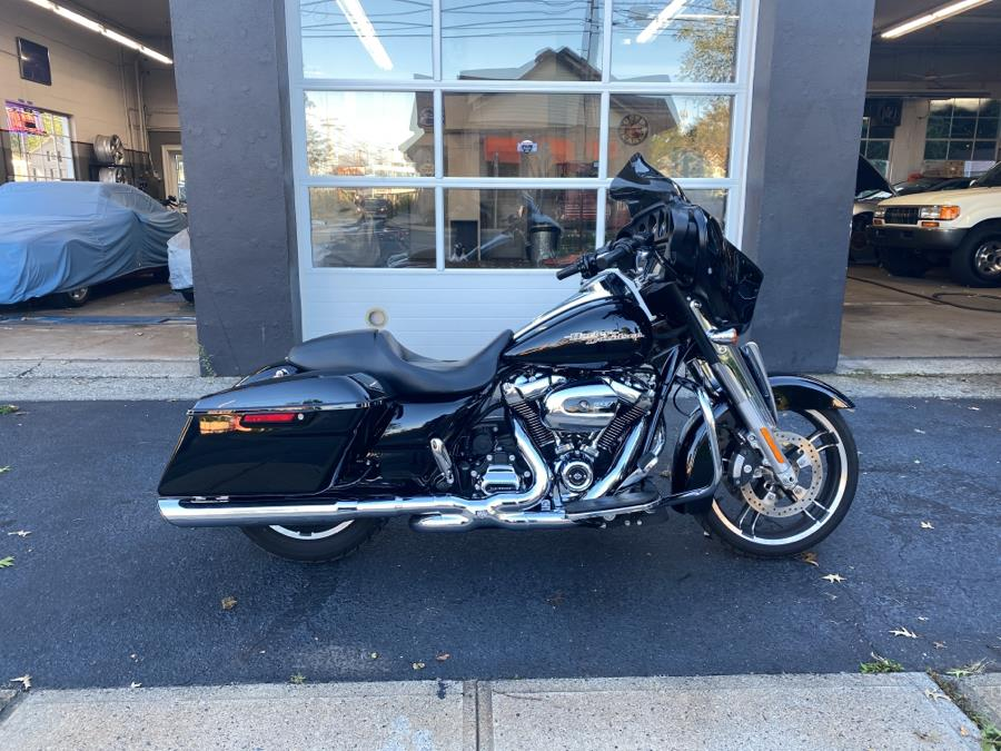 Used 2017 Harley Davidson Street Glide in Milford, Connecticut | Village Auto Sales. Milford, Connecticut