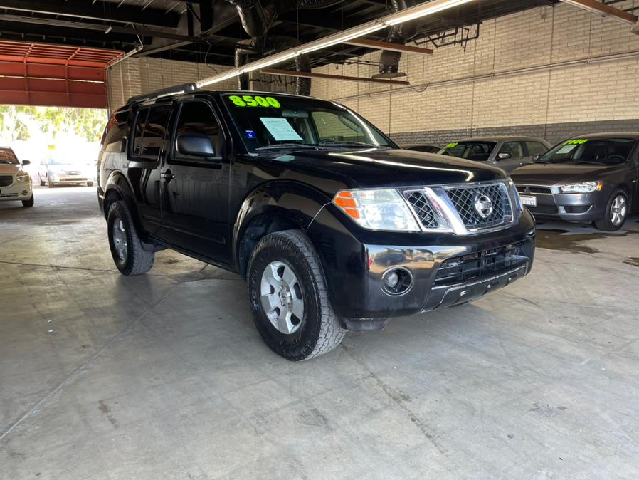 Used 2011 Nissan Pathfinder in Garden Grove, California | U Save Auto Auction. Garden Grove, California