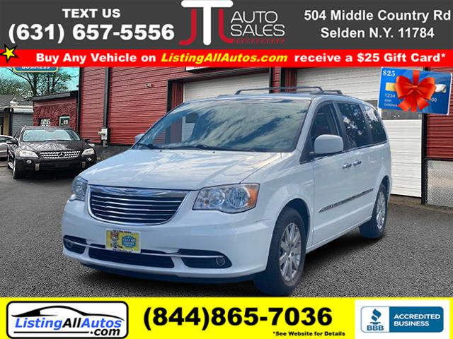 Used 2015 Chrysler Town & Country in Patchogue, New York | www.ListingAllAutos.com. Patchogue, New York