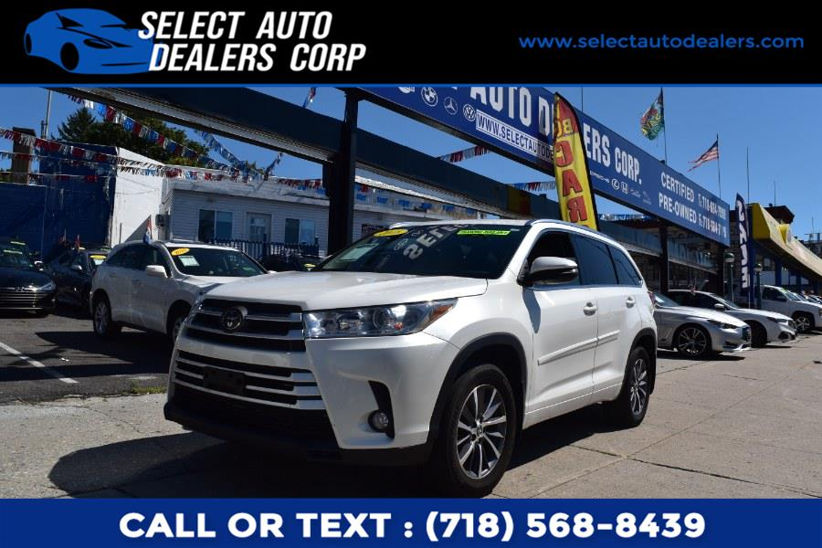 Used Toyota Highlander XLE V6 AWD (Natl) 2018 | Select Auto Dealers Corp. Brooklyn, New York