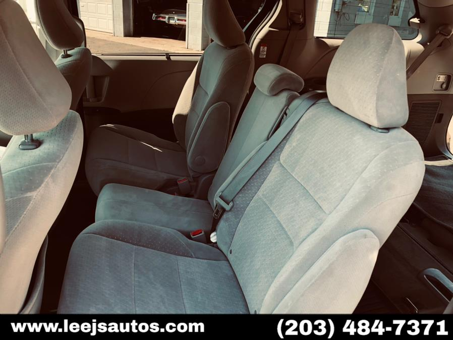 Used Toyota Sienna 5dr 8-Pass Van LE FWD (Natl) 2015 | LeeJ's Auto Sales & Service. North Branford, Connecticut