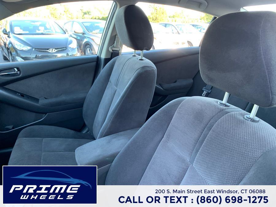 Used Nissan Altima 4dr Sdn I4 CVT 2.5 S 2009 | Prime Wheels. East Windsor, Connecticut