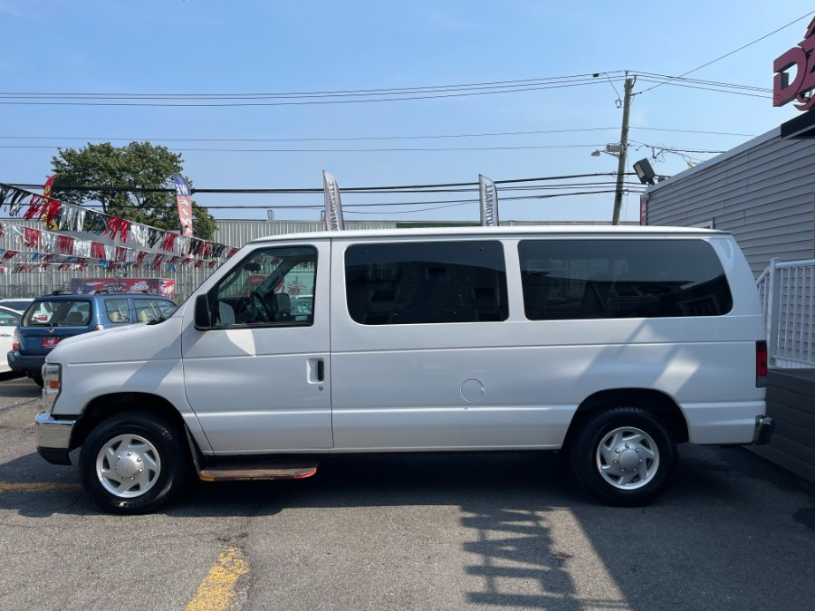 Used Ford Econoline Wagon Passenger E-150 XLT 2009   DZ Automall. Paterson, New Jersey