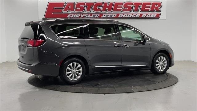 Used Chrysler Pacifica Touring L 2019   Eastchester Motor Cars. Bronx, New York
