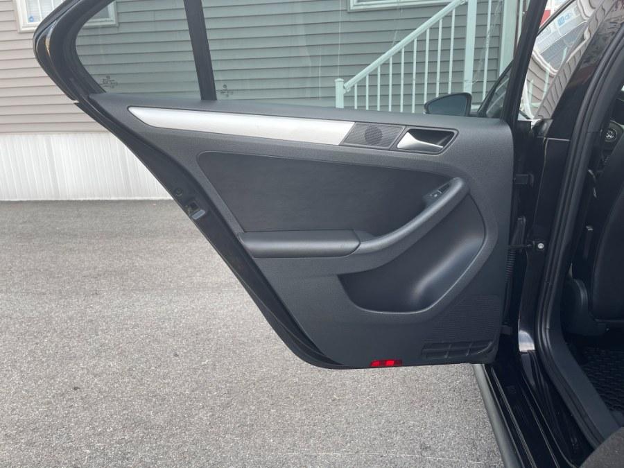 Used Volkswagen GLI 4dr Sdn Man Autobahn w/Nav PZEV *Ltd Avail* 2013   DZ Automall. Paterson, New Jersey
