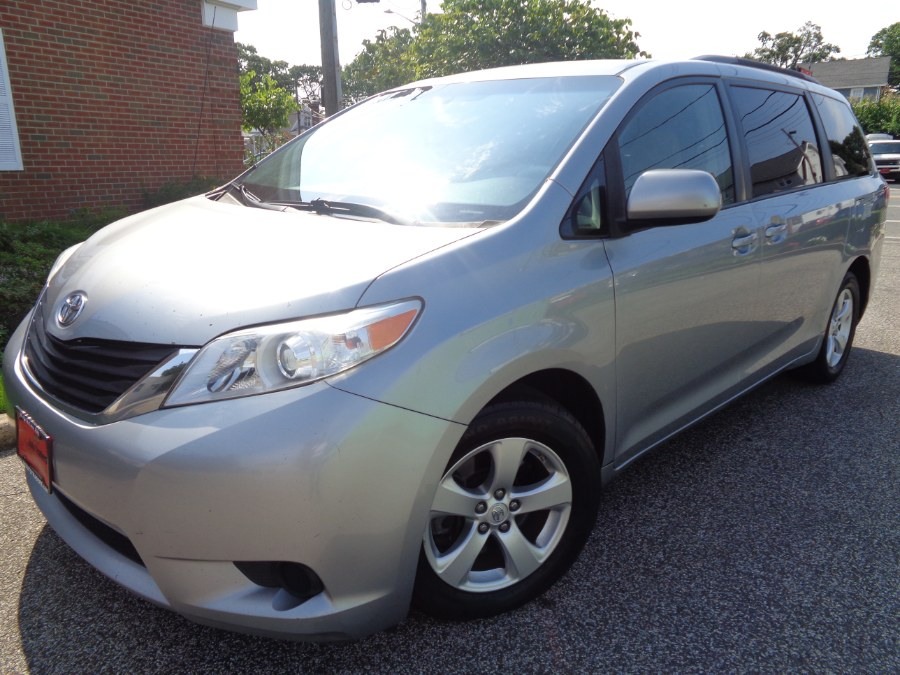 Used Toyota Sienna 5dr 8-Pass Van V6 LE FWD (Natl) 2013 | NY Auto Traders. Valley Stream, New York