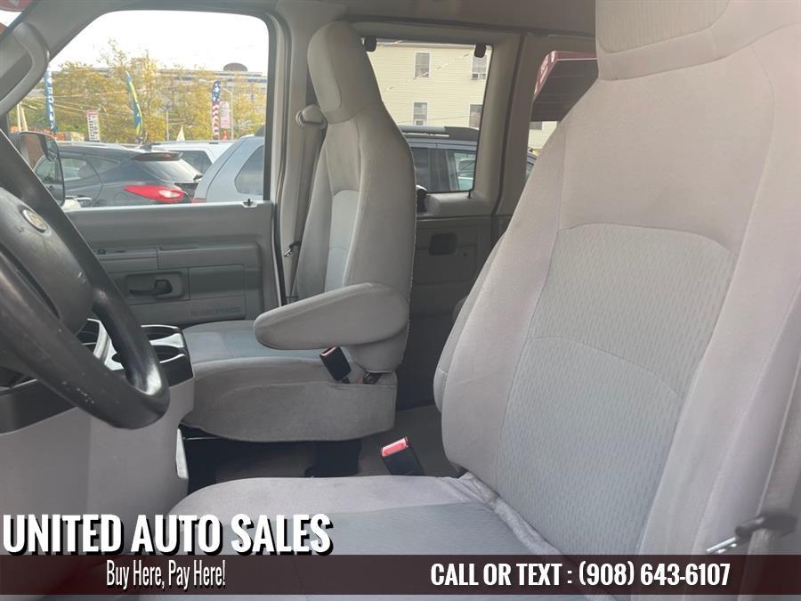 Used Ford Econ Passg E350 SUPER DUTY WAGON 2014 | United Auto Sale. Newark, New Jersey