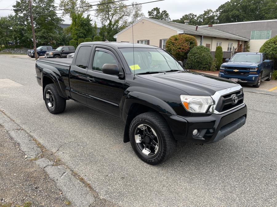 Used 2014 Toyota Tacoma in Ashland , Massachusetts | New Beginning Auto Service Inc . Ashland , Massachusetts